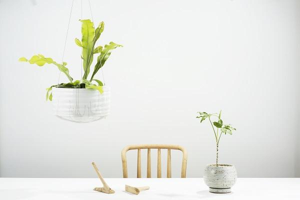 Handgemaakte bloempotten van het Australische Angus and Celeste - via Accessorize your Home