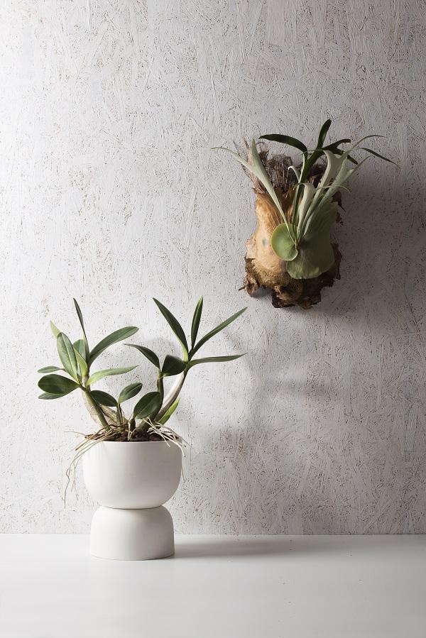 Driedelige handgemaakte bloempot van mat porselein van Angus and Celeste - via Accessorize your Home